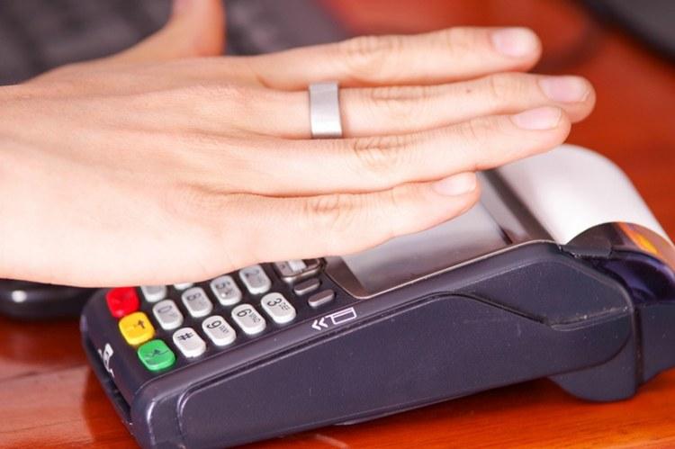 Количество платежей с использованием носимым устройств растет. Страны-лидеры